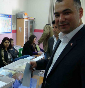 Milliyetçi Hareket Partisi, İstanbul Büyükşehir Belediye Başkan Adayı, Rasim Acar, oy kullandı, ümraniye