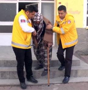 113'lük nine oy kullanmaya ambulansla götürüldü,Oy verirken engel tanımadı,Döne Karaçavuş
