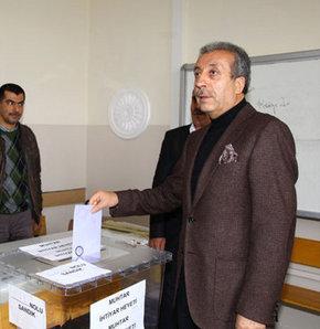Gıda, Tarım ve Hayvancılık Bakanı Mehdi Eker, oy kullandı, yasemin eker, Diyarbakır