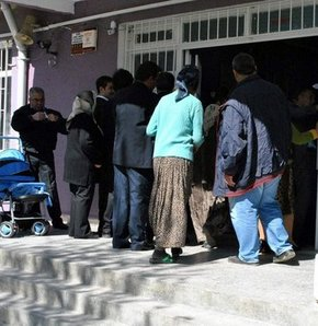 Haklarında arama kararı bulunan 65 kişi sandık başında yakalandı, 65 kişi sandık başında yakalandı, Oy kullandıktan sonra gözaltına alındılar