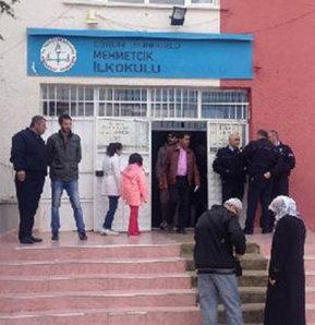 Sandık görevlisi 110 kişiye belediye başkanlığı oy pusulasını vermeyi unuttu, Yok böyle unutkanlık