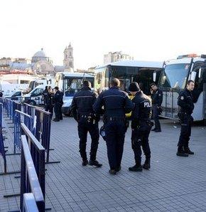 Taksim'de güvenlik önlemleri,Taksim'de TOMA'lı önlem!