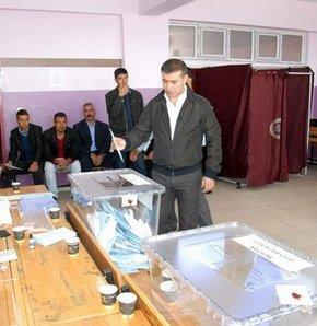 Oy verme işlemi bitti,Sandıklar kapandı, 52 milyon 695 bin 831 seçmen sandığa koştu