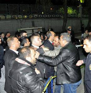 Fatih İlçe Seçim Kurulu'nda kavga, Tekme tokat kavga,Mustafa Demir ilçe seçim kurulunu ziyaret etti tekme tokat kavga çıktı