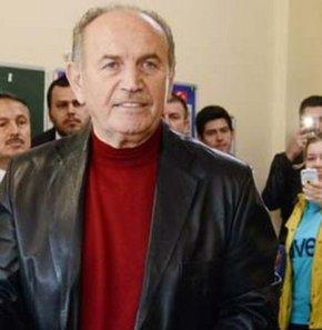 İstanbul Büyükşehir Belediye Başkanı ve AK Parti İstanbul Büyükşehir Belediye Başkan adayı Kadir Topbaş açıklamalarda bulunuyor