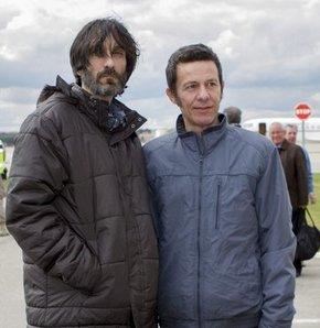 Suriye'de kaçırılan İspanyol gazeteciler, sınırda Türk askerlerine teslim edildi.