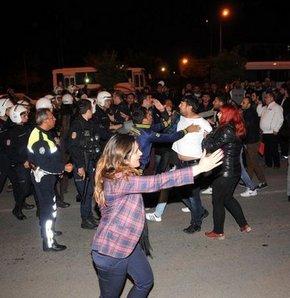 CHP ve AK Parti'liler arasında arbede, Antalya'da hareketli saatler