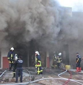 Yatak fabrikasında çıkan yangın korkuttu