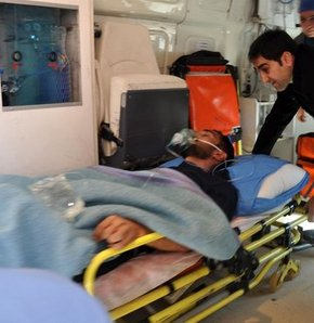 MHP'li Belediye Başkanı'nın oğlu bıçaklandı