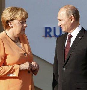 Vladimir Putin, Angela Merkel, Ukrayna