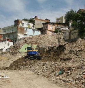 Gecekondu yıkıldı, ortaya çıktı, İzmir, İzmir gecekondu yıkımı, gecekondu yıkımı, Kadifekale, Antik Roma Tiyatrosu
