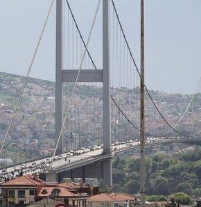 Boğaziçi Köprüsü,bakım,trafik.şerit,Ulaştırma Denizcilik ve Haberleşme Bakanlığı,E-5 Karayolu