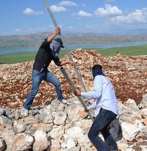 Diyarbakır Valiliği'nden BDP'yi şaşırtacak cevap, karakol diye yıkmışlardı