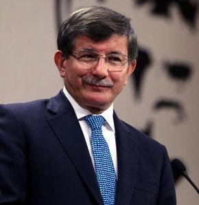 Dışişleri Bakanı Ahmet Davutoğlu'ndan Anneler Günü sürprizi