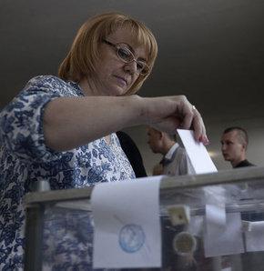 François Hollande, Merkel, ukrayna rusya, Almanya Başbakanı Angela Merkel, ukraynadaki referandumlar