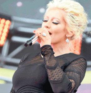 Christina Aguilera, Christina Aguilera şarkıları, Christina Aguilera say something, Christina Aguilera nişanlısı, Christina Aguilera hamile