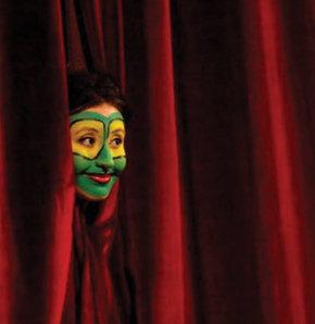 İstanbul Şehir Tiyatroları Gençlik Günleri, İstanbul Şehir Tiyatroları etkinlik, İstanbul Şehir Tiyatroları'nda neler var?, İstanbul Şehir Tiyatroları Fatih  Reşat Nuri sahnesi, İstanbul Şehir Tiyatroları Üsküdar Kerem Yılmazer sahnesi