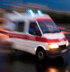Öğrenci servisi ile kamyon çarpıştı,Batman'da öğrenci servisiyle nakliye kamyonu çarpıştı:8 öğrenci yaralı