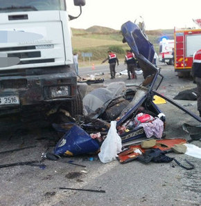 Katliam gibi kaza!,Yozgat'ta korkunç kaza,Yozgat'ta trafik kazası