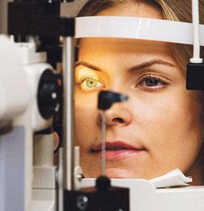 Türk doktorun büyük başarısı, Dr. A. Bozkurt Şener, Relex SMİLE yöntemi, Türk doktor, gözlük ve lens kullananlar, lazer tedavisi, göz lazer, lazer,