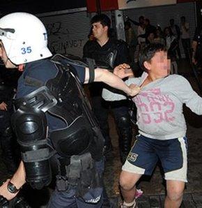 İzmir'de Soma protestoları sırasında gözaltına alındığı iddia edilen çocuk adliyeye getirildi