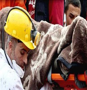 Ahmet Yankın Soma faciasında ölen maden işçisi abisinin cenazesinin çıkartıldığı battaniyeyi Kızılay'a iade etti