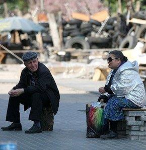 Ukrayna emekli maaş ödemelerini geçici olarak durdurdu,Ukrayna'da hükümet emekli maaş ödemelerini geçici olarak durdurduğunu açıkladı