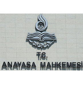 AYM Dershane itirazını esastan görüşecek,CHP'nin dershanelerin kaldırılmasına ilişkin verdiği başvuru esastan incelenecek,Anayasa Mahkemesi dershane itirazını esastan görüşecek