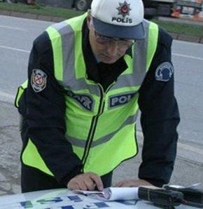 trafik cezası, istanbul, emniyet şeridi cezası, kırmızı ışık cezası, cep telefonuyla konuşma cezası, trafik polisi, ölümlü trafik kazası, trafik kazası, trafik denetleme şube müdürlüğü