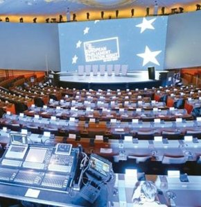 Avrupa'da seçim günü, Avrupa'da seçim, Ukrayna'da devlet başkanlığı seçimleri, Avrupa Parlamentosu seçimleri.