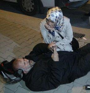 Yaralı eşinin yanından ayrılmadı,Konya'da kaza yapan kocasının yanından bir an olsun ayrılmadı
