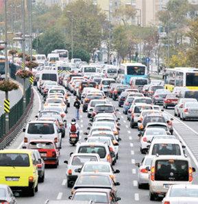 İstanbullu 4 yılını trafikte geçiriyor