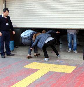 Son vapura yetişebilmek için eziliyorlardı Kadıköy'de son vapur telaşı Son vapur telaşı Seferler iptal edildi Gezi Parkı Gezi yıldönümü