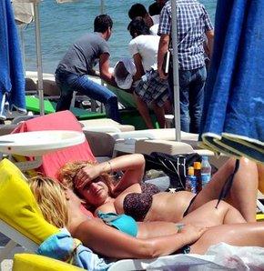 Polonyalı turist denizde öldü Bodrum'da ceset şoku Serinlemek için girdiği denizde öldü Cenazenin yanında güneşlendiler