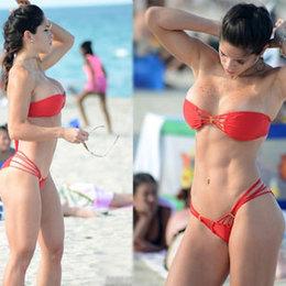 Kırmızı bikini modası