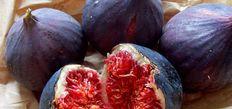 Yaz ve kış aylarında sofraları süsleyen meyve ve sebzelerin şekillerinin faydalı oldukları organlara benzediği bildirildi