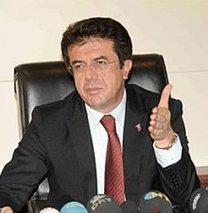 Ekonomi Bakanı Merkez'i Twitter'dan eleştirdi