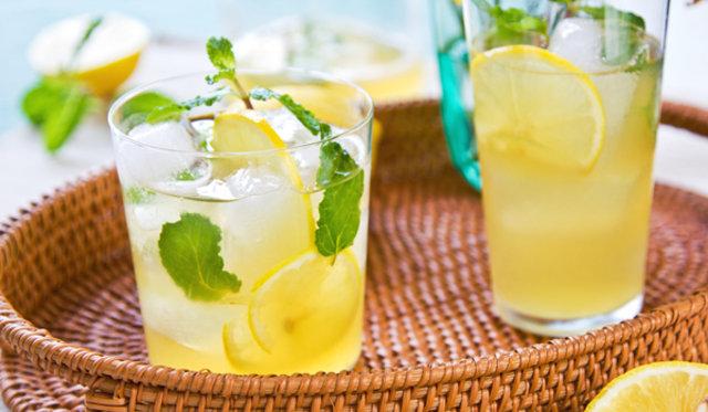 Oruç tutarken sağlığınızı koruyor!, Oruç tutarken sağlığınızı koruyan içecekler,Beslenme ve Diyet Uzmanı Dilem İrkin Koçan, bu içeceklerle mide sağlığınızı koruyun, ayran, mineral deposu içecekler