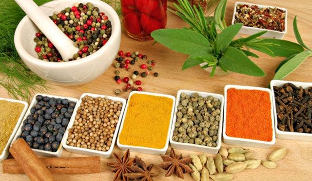 Ramazan'da mideyi vuran 7 hata, Ramazan'da mide sağlığı, mide ağrısı nasıl geçer, iftardan sonra mide ağrısı,beslenme ve Diyet Uzmanı Melis Torluoğlu