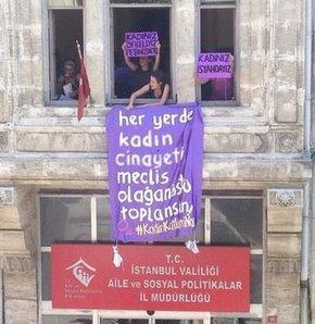 Kadınlar, Kadın Müdürlüğü'nü bastı, Kadınlar İstanbul Aile ve Sosyal Politikalar İl Müdürlüğü binasını bastı