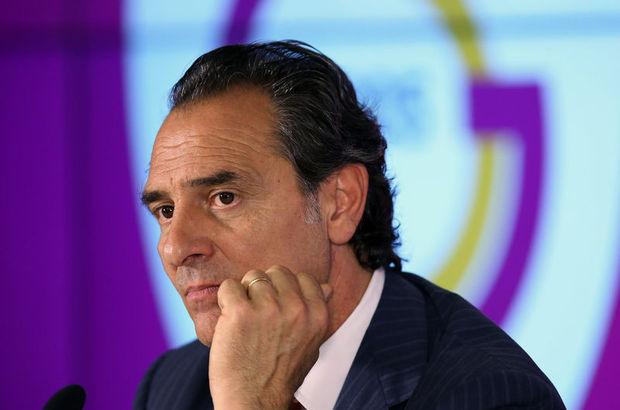 Cesare Prandelli, 2005-2010 yılları arasında Mor Menekşeleri çalıştırmıştı.