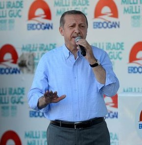 Başbakan Recep Tayyip Erdoğan, Cumhurbaşkanı adayı olarak Antalya'da düzenlediği mitingde konuşuyor.