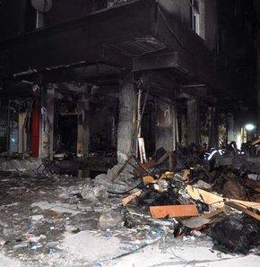 Zeytinburnu'nda ambalaj imalathanesinde meydana gelen patlamada 3 kişi öldü, biri ağır 8 kişi yaralandı