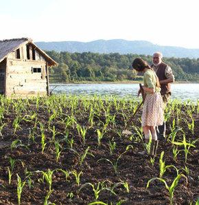 Karlovy Vary'nin ödülü İlyas Salman'lı filme, George Ovashvili Corn Island, İlyas Salman, Tamer Levent,