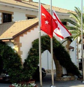KKTC'de Gazze için bayraklar yarıya indirildi!