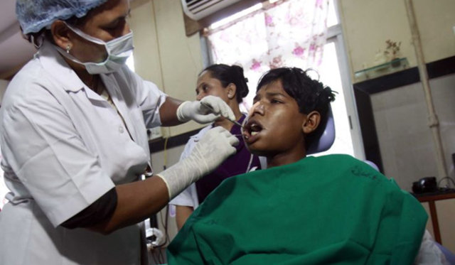 232 diş çektirdi, Hindistan, 17 yaşındaki Ashique Gavai, Ashique Gavai, Mumbai
