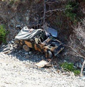 Hatay'da askeri araç uçurumdan yuvarlandı