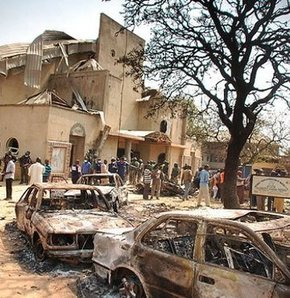 Nijerya'da bombalı saldırı: 25 ölü