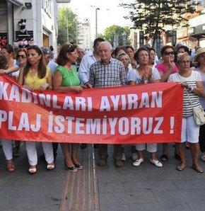 Antalya'da CHP'li kadınlardan 'Kadınlar Plajı'na' tepki