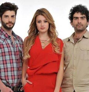 Star TV'nin yeni dizisi Güzel Köylü dün akşam saat 21:00'da ekranlara geldi. İzleyicilerin beğenisini kazanan Güzel Köylü'nün yeni bölümü de merakla bekleniyor